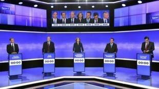 Николя Саркози, Ален Жюппе, Натали Костюшко-Моризе, Жан-Фредерик Пуассон и Франсуа Фийон на теледебатах 17 ноября 2016.
