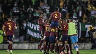 Os festejos dos jogadores do Alverca que eliminaram o Sporting CP por 2-0 na Taça de Portugal.