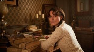 """La actriz británica Keira Knightley encarna a """"Colette"""" en el cine."""