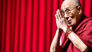 Le Dalaï Lama, lors d'un débat public donné à Bruxelles, le 11 septembre 2016.