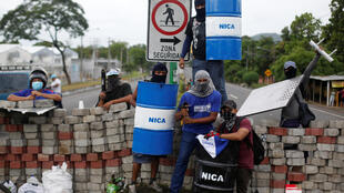 Những người phản kháng phong tỏa đường phố tại Nindiri, Nicaragua.