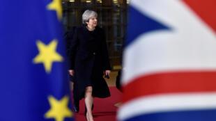 """Theresa May: """"um passo importante na direção de um Brexit suave e moderado""""."""