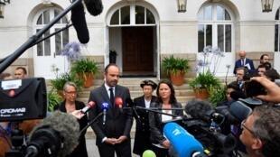 Edouard Philippe condenou com firmeza a 5 de Julho as violências que abalaram vários bairros em Nantes após a morte de jovem num controlo policial.