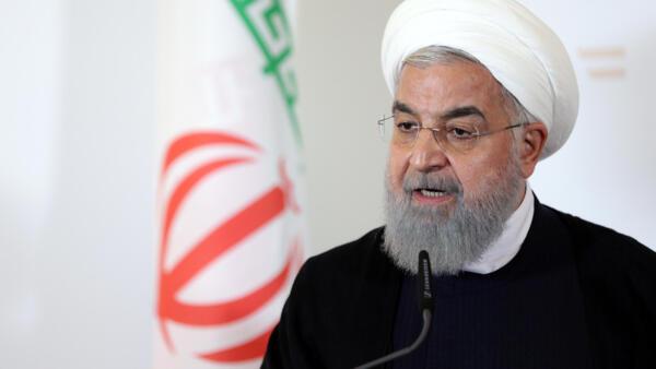 O presidente iraniano, Hassan Rohani, acusou os separatistas árabes neste domingo (23), sem citá-los diretamente, de estarem por trás do atentado que deixou pelo menos 29 mortos em uma parada militar no sábado em Ahvaz, sudoeste do Irã.