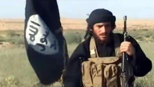Abou Mohammad al-Adnani, em um vídeo do grupo Estado Islâmico