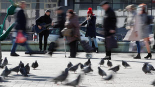В то время как главные города Европы опустели, на улицах Минска все еще людно