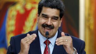 O chefe de Estado venezuelano, Nicolás Maduro, durante a entrevista coletiva desta sexta-feira (25), em Caracas