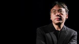 O autor britânico de origem japonesa Kazuo Ishiguro, vencedor do Prémio Nobel de Literatura.