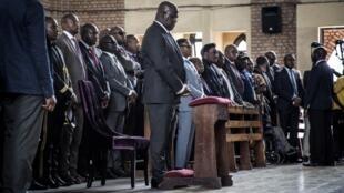 Le président congolais Félix Tshisekedi assiste à une messe en mémoire de son père, l'opposant Etienne Tshisekedi à Notre-Dame de Kinshasa, le 1er février.