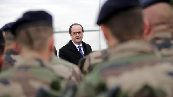 El presidente Hollande tras su llegada a Bagdad este lunes 2 de enero 2017.