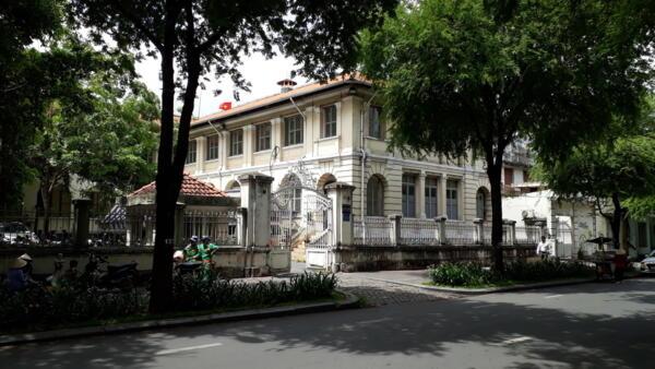 Tòa nhà Dinh Thượng Thơ, nay là trụ sở của Sở Thông tin và Truyền thông TP. Hồ Chí Minh.