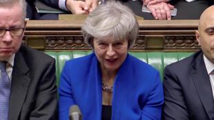 Theresa May durante o voto da moção de confiança contra seu governo.