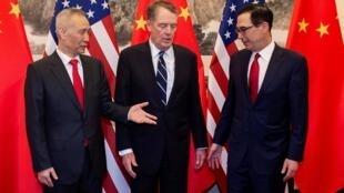 美國贸易代表莱特希泽、中国副总理刘鹤及美國财长努欽上月在北京会谈。