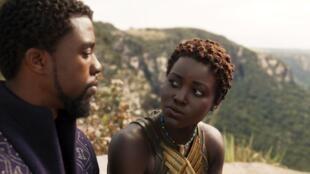 Chadwick Boseman et Lupita Nyong'o dans « Black Panther ».