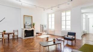 Un «Bel appartement haussmannien atypique à Saint-honoré» proposé à la location par un particulier pour des réunions d'entreprises sur le site Office Riders.