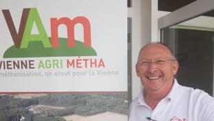 Yves Debien, GAEC «La Baie des Champs» à Sèvres-Anxaumont.