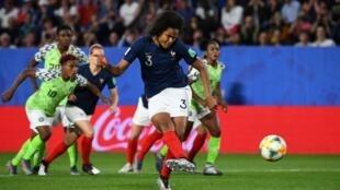 Wendy Renard fez o golo da vitória perante a Nigéria nesta segunda-feira no Mundial feminino de futebol.