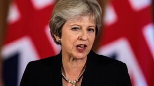 Thủ tướng May bị chỉ trích là không có khả năng đưa đàm phán Brexit ra khỏi bế tắc.