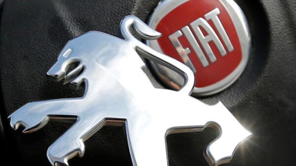 PSA et Fiat-Chrysler assinaram nessa quarta-feira (18) acordo de fusão.