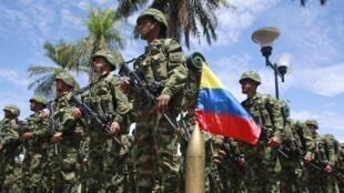 Soldados colombianos entrenados para luchar contra las FARC, el pasado 5 de octubre en Florencia, Colombia.