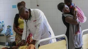 Em Angola as novas vagas não resolvem problemas do sector da saúde