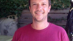 Guillaume Lauruol, do centro cultural Pensamento Tropical, durante o Festival de Avignon.