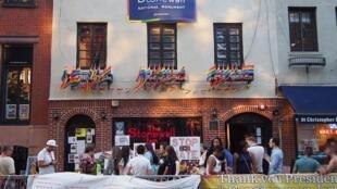 Khu vực quán bar Stonewall Inn được tổng thống Barack Obama công nhận là di sản quốc gia, ngày 24/06/2016.