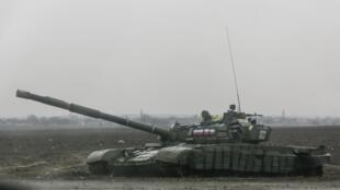Tank de la rébellion pro-russe à Yenakieve, au nord de Donetsk, le 2 février 2015.