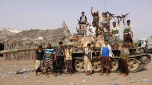 Forças pró-governamentais, apoiadas pelos Emirados, Arábia Saudita e Sudão, lançaram esta quarta-feira uma ofensiva no porto de Hudheida