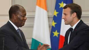 Alassane Ouattara et Emmanuel Macron au palais de l'Elysée le 11 juin 2017.