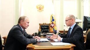 俄国家原子能公司(其总裁在图右)与俄总统普京将着手备受争议的匈牙利核项目