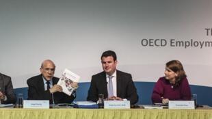 Angel Gurría (segundo da esquerda para direita), secretário-geral da OCDE.