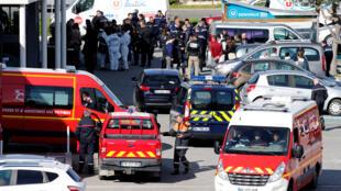 Vue générale du supermarché de Trebes, dans le sud de la France où l'attaque terroriste commise par Radouane Lakdim a eu lieu, le 23 mars 2018.