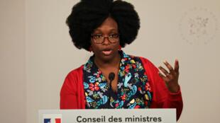 Bà Sibeth Ndiaye, quốc vụ khanh, phát ngôn viên chính phủ Pháp, trong cuộc họp báo, Paris, ngày 01/04/2019