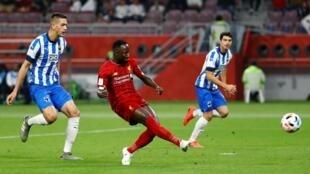 Le Guinéen de Liverpool Naby Keïta, lors de son ouverture du score contre le CF Monterrey en demi-finale de Coupe du monde des clubs.