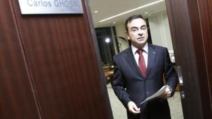 Renault CEO Carlos Ghosn leaves his office