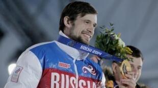 Российский скелетонист Александр Третьяков должен будет расстаться со своей золотой медалью.