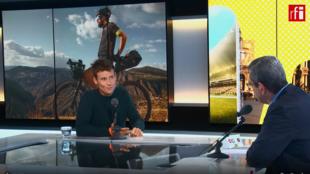 Axel Carion, creador de la carrera ciclista BikingMan  durante su participación en Escala en Paris