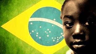 Brasil é visto de fora pela sua triste realidade de desigualdade social e preconceito.