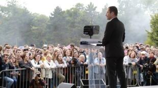 Benoît Hamon speaking at the rally Saturday