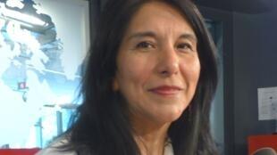 Jovita maeder en los estudios de RFI