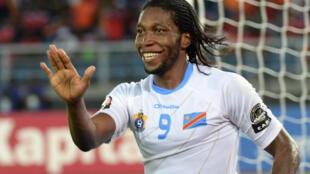 La joie de Dieumerci Mbokani après la victoire de la RDC face au Congo, le 31 janvier 2015.