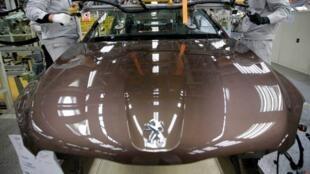 Uma das três fábricas da Peugeot-Dongfeng na China.