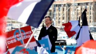 Ứng viên cực tả Jean-Luc Mélenchon thuộc phong trào Nước Pháp Bất Khuất tại buổi mit-ting ở Marseille, ngày 09/04/2017.