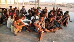 Pessoas resgatadas de naufrágio ao largo da Líbia. 26 de Julho de 2019.