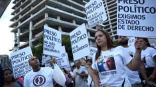 Biểu tình phản đối chính phủ của tổng thống Venezuela Nicolas Maduro tại Caracas, ngày 30/08/2017.