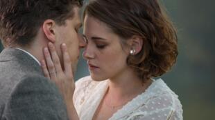 "Kristen Stewart and Jesse Eisenberg in ""Café Society"" directed by Woody Allen"