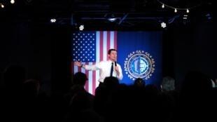 Pete Buttigieg, ici devant ses partisans dans le New Hampshire, a parlé d'une victoire «stupéfiante».