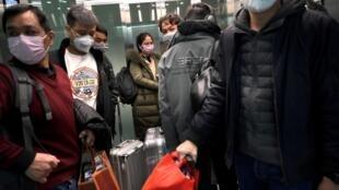 Segundo balanço do novo coronavírus de terça-feira (3), o número de mortos supera 3.000.