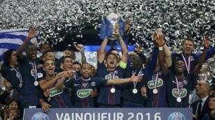 El Paris Saint-Germain conquistó la Copa de Francia tras vencer por 4-2 al Marsella.